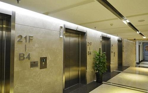 维亚大厦电梯