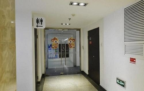 维亚大厦走廊