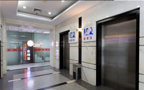 中关村大厦电梯